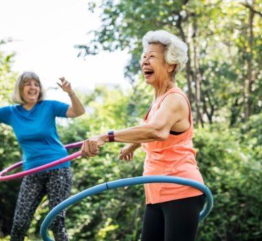 Weight Loss - Hula-hooping women